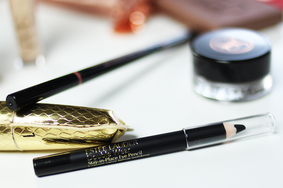 Reisekosmetik-Fashion-Week-Berlin-estee-lauder-sty-in-place-eye-pencil