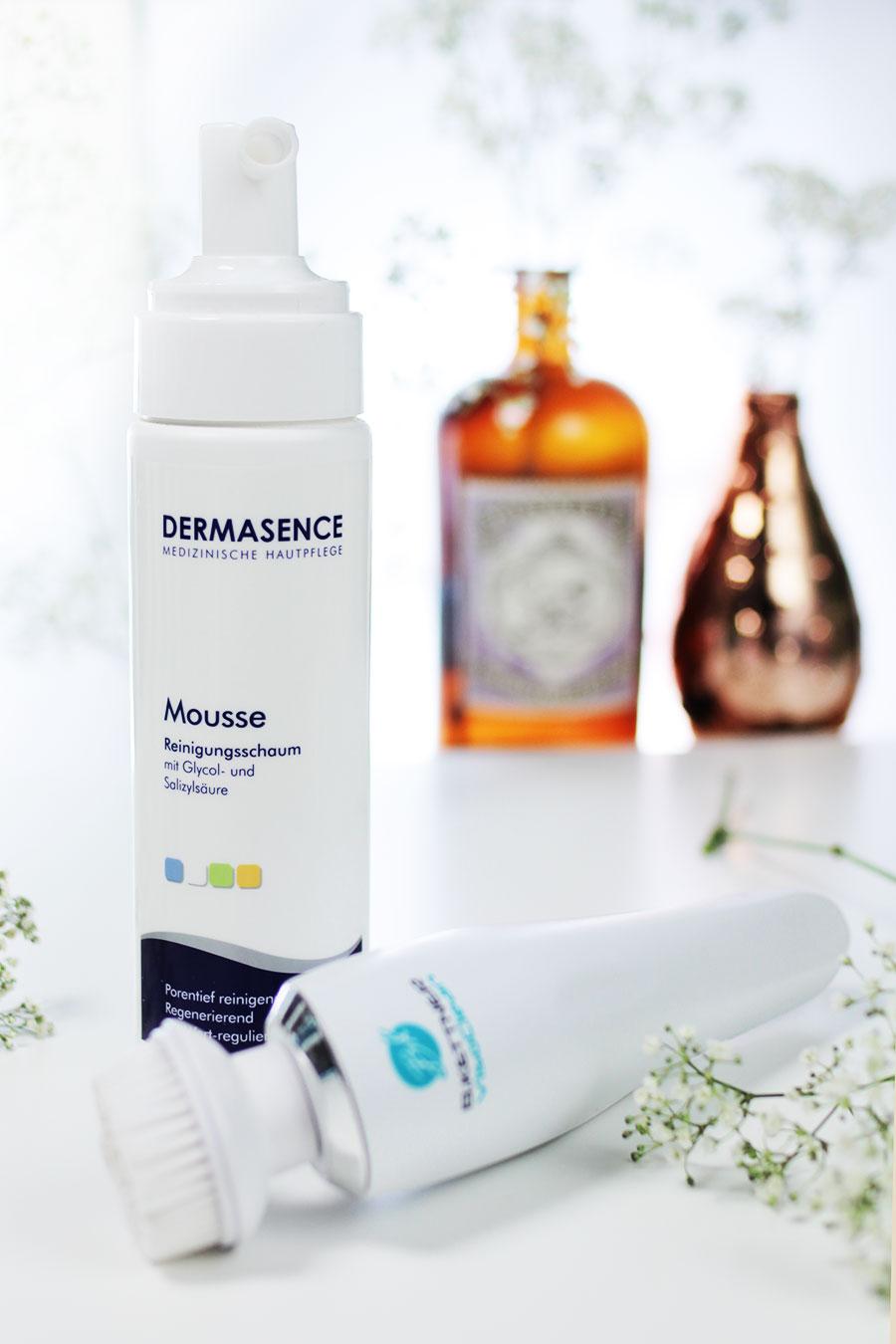 Gesichtspflege-routine-unreine-Haut-bkettner-gesichtsbuerste-Dermasense-mousse