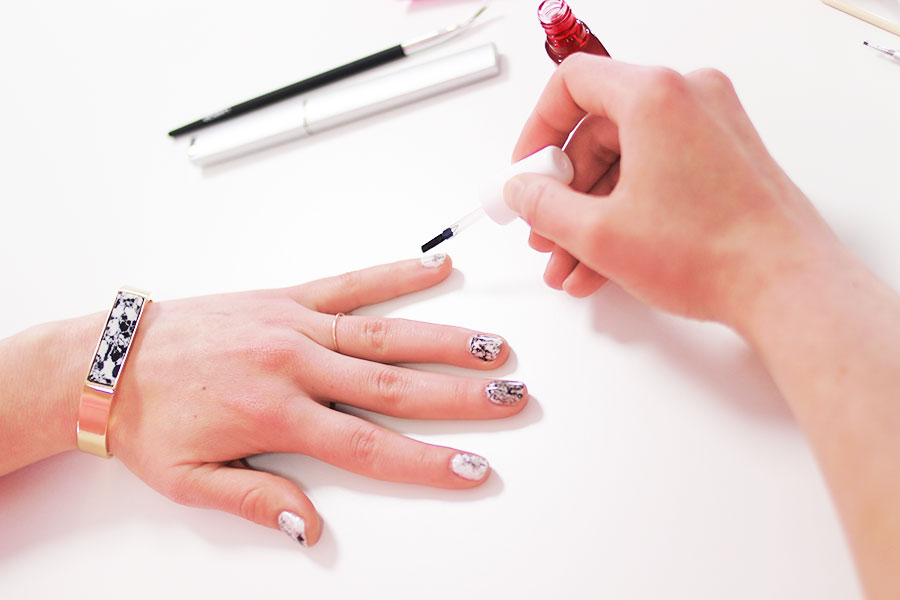 marmor-naildesign-klarlack-finish