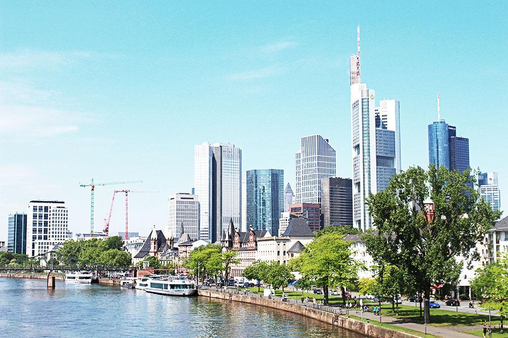Blogger-Reise-Workshop-Frankfurt-Skyline