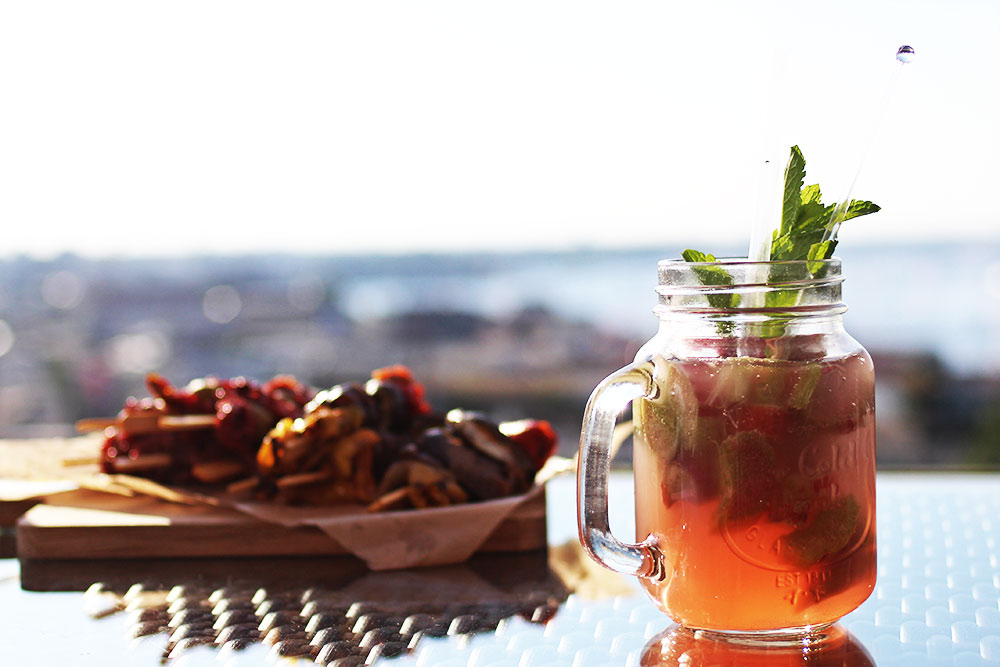 Radisson-Blu-Rostock-Rooftop-Rhabarber-Cocktail