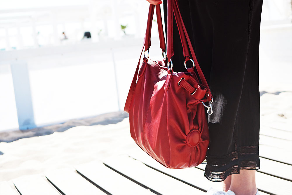 Segel-Outfit-Pinkpetzie-rote-tasche
