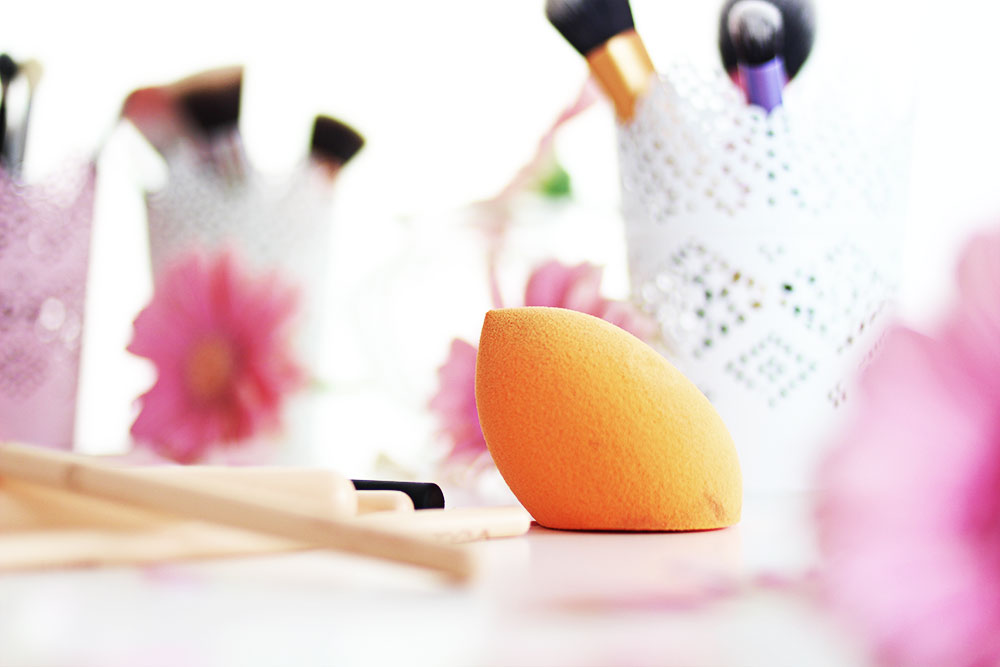 guenstige-make-up-pinsel-miracle-sponge-real-techniques