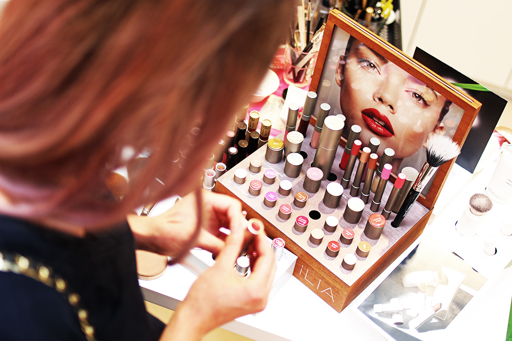 Beauty-and-care-Lippenstifte-Mitternachts-shopping-bad-driburg-L-occitane