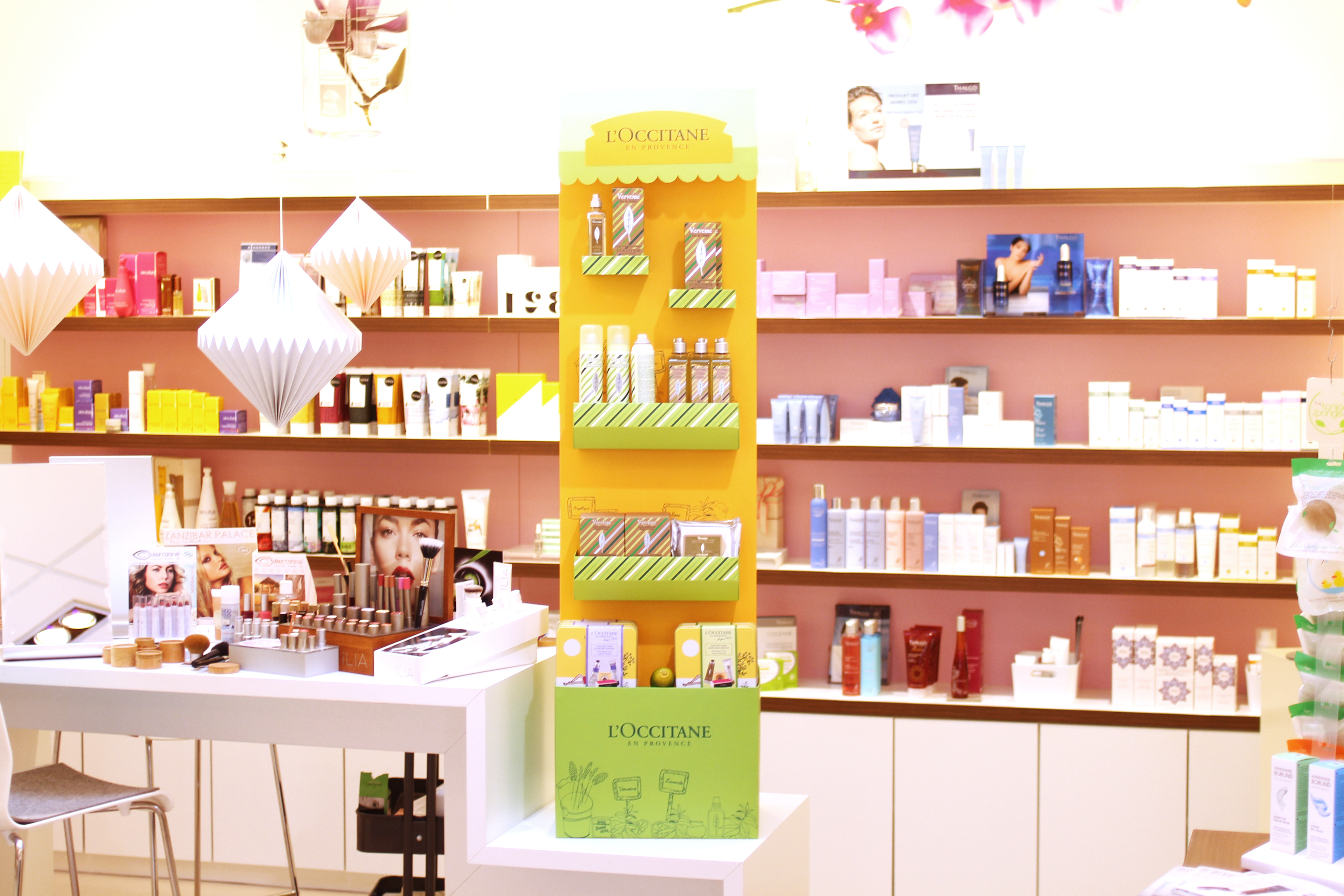 Beauty-and-care-Shop-Mitternachts-shopping-bad-driburg-L-occitane