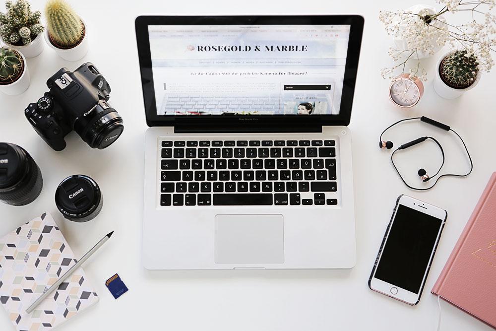 Flatlay Technik für Blogger MacBook