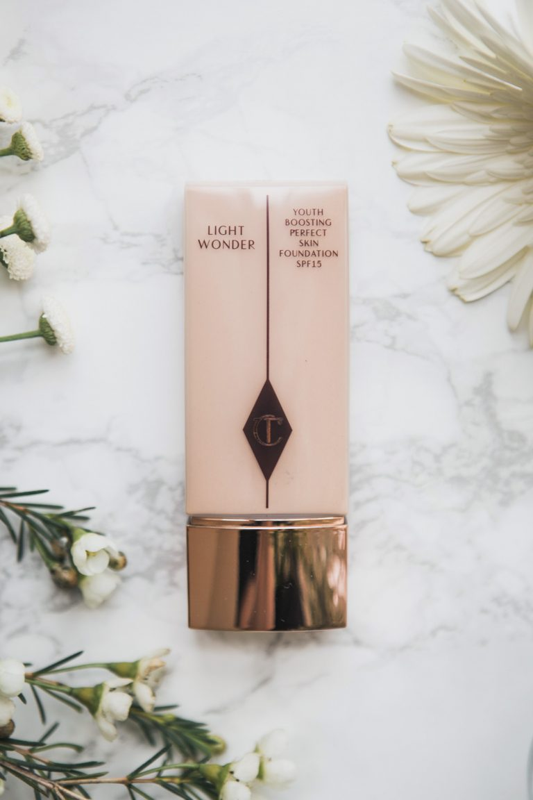 Light Wonder Foundation von Charlotte Tilbury