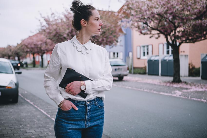 Basics für den Kleiderschrank: die blaue Jeans