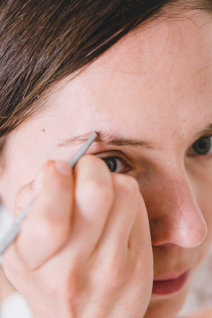 natürliches Makeup Anleitung Augenbrauen betonen