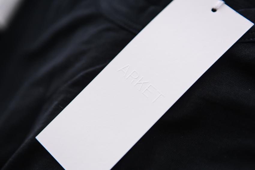 Etiketten von Arket, neue H&M Marke