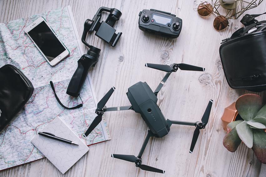 Kameraausrüstung zum Reisen Drohne Gimbal Smartphone