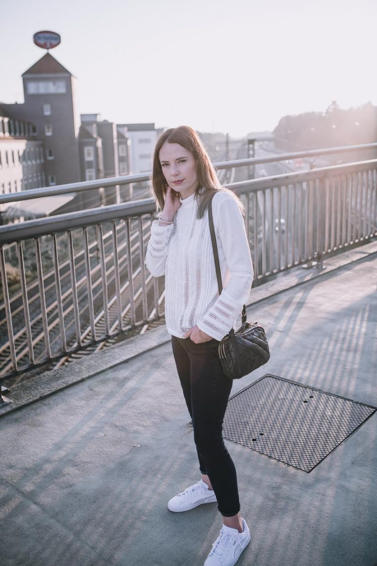 Herbstoutfit Black and White mit Topshop und IvyandOak Bluse