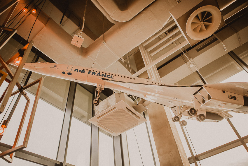Concorde Modell im Paris Club Düsseldorf 25 hours Bar