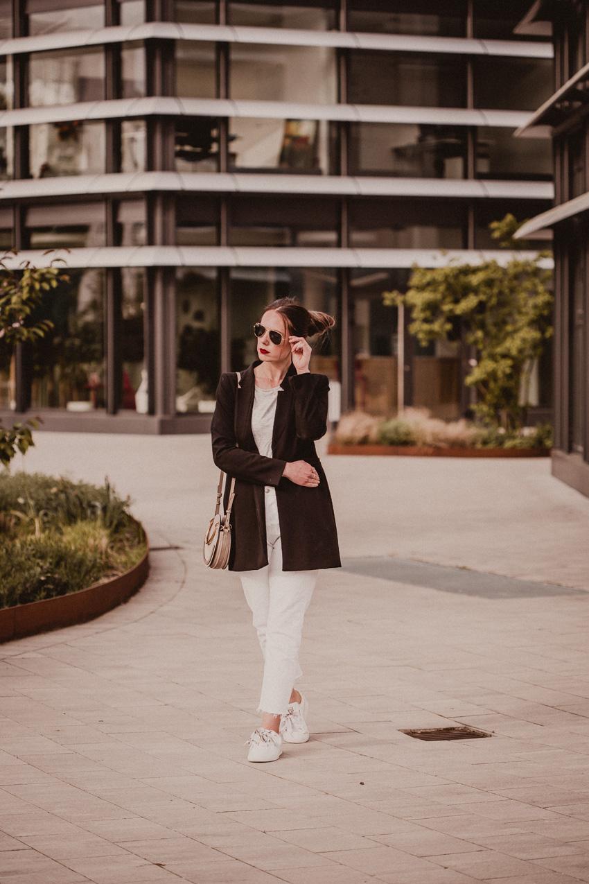 Weiße Hosen kombinieren Wochenrückblick Rosegold Marble